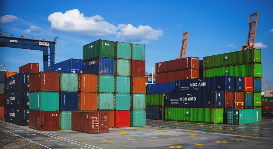 Shipping yard containing freight to be shipped